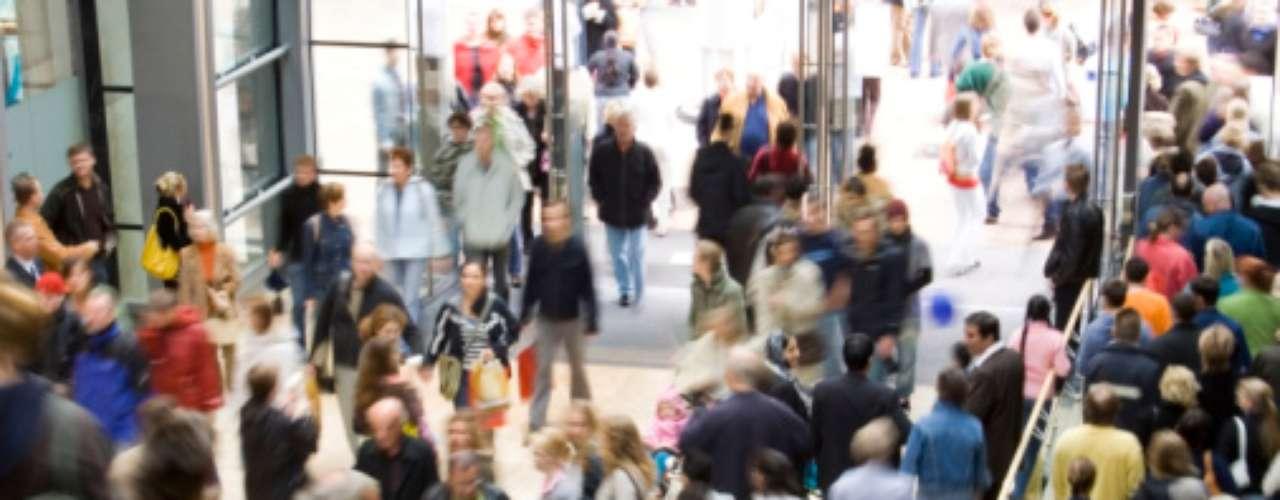 Hace un par de años varias tiendas crearon la tendencia de abrir las puertas el día jueves de Thanksgiving, adelantando las tradicionales ofertas de Black Friday.