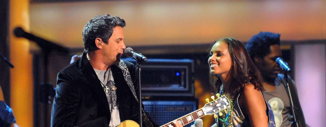 Alejandro Sanz is a titan of Latin music but he's no stranger to the English-language market. He's worked with Destiny's Child, Beyonce, Irish band The Corrs, Alicia Keys and more recently veteran crooner Tony Bennett.