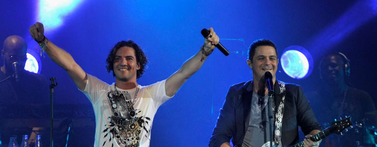Alejandro Sanz is not your typical pop star, along with singing and writing his own music, he's composed pop hits for many other Latin music heavyweights like David Bisbal and Ricky Martin.