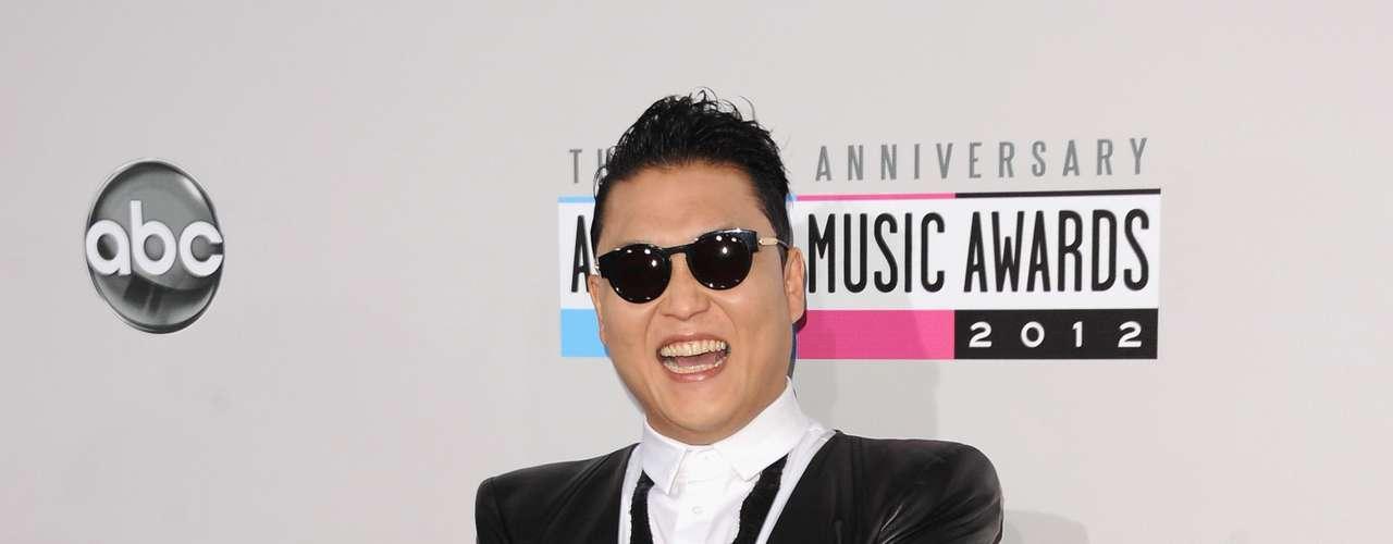PEOR: Psy continua arruinando todas las fiestas con su \