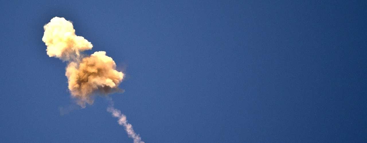 Por el momento, en Israel funcionan cinco baterías de escudos antimisiles, la mayoría localizada en el sur, cerca de Gaza. La última bateria antimisil en Tel Aviv fue instalada el sábado y a la hora, ya había interceptado su primer cohete enemigo.