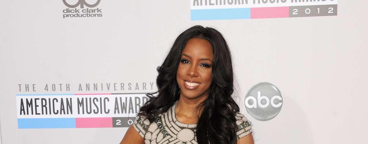 La cantante Kelly Rowland mostro sus mejores atributos: esas piernazas!