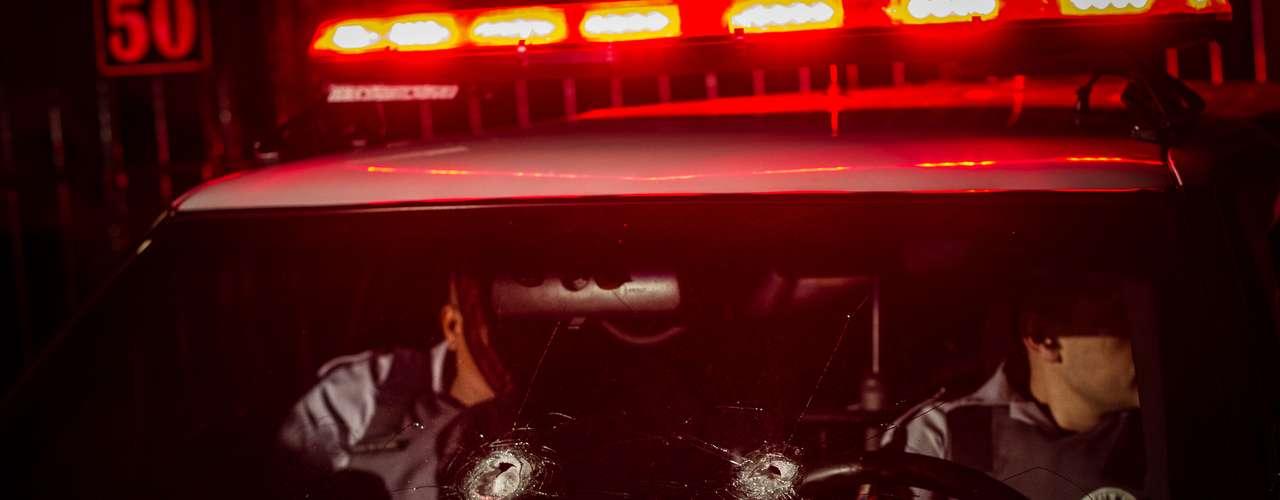 Además, en lo que va de año más de 90 agentes policiales, muchos de ellos fuera de servicio, han muerto tiroteados.