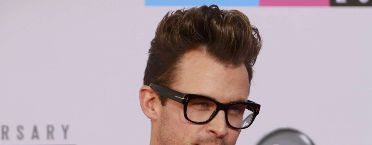 Celebrity fashion stylist Brad Goreski arrives at the 40th American Music Awards in Los Angeles, California November 18, 2012.