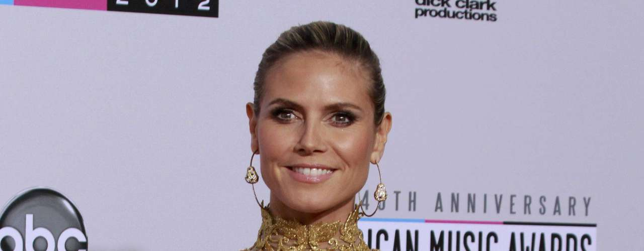Model Heidi Klum arrives at the 40th American Music Awards in Los Angeles, California, November 18, 2012.