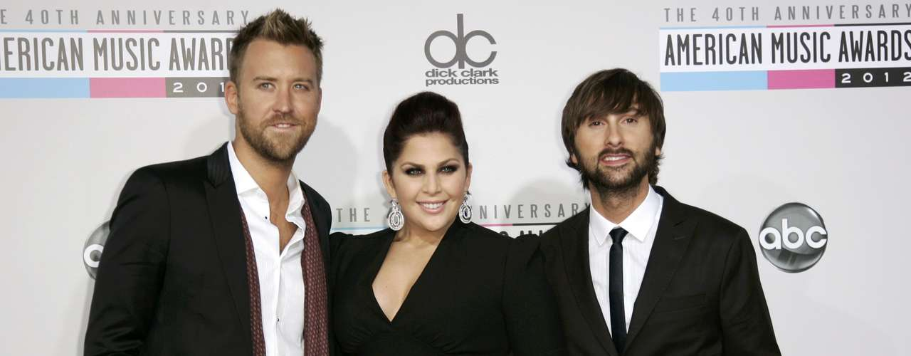 Lady Antebellum arrive at the 40th American Music Awards in Los Angeles, California, November 18, 2012.