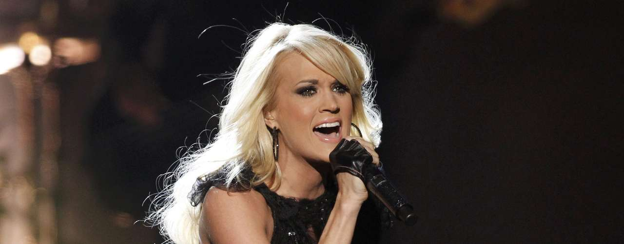 Carrie Underwood entonó magistralmente la canción \