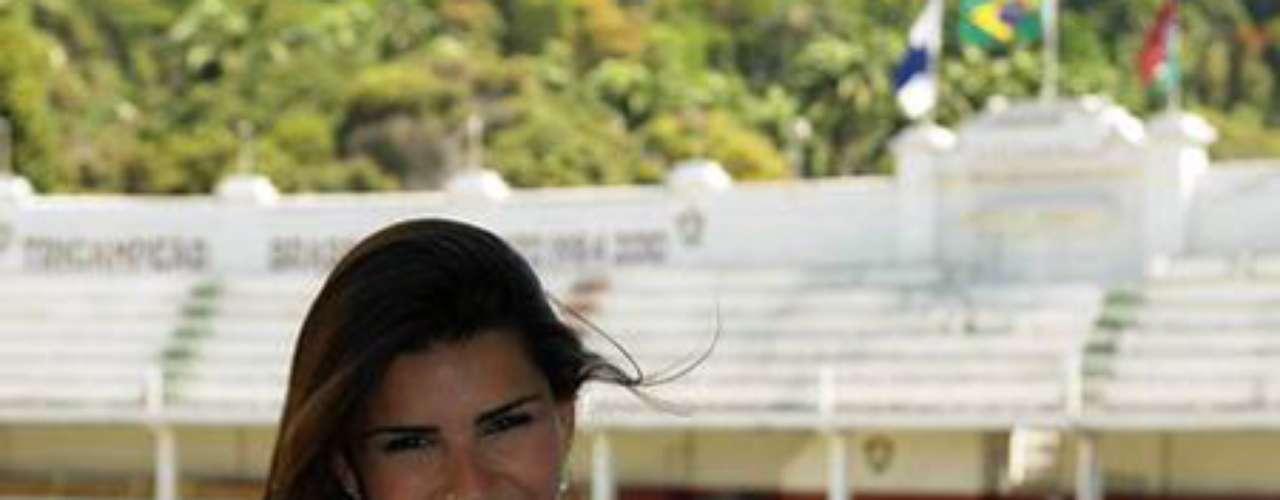 Muchos equipos quisieran una fan como Bianca Leao.