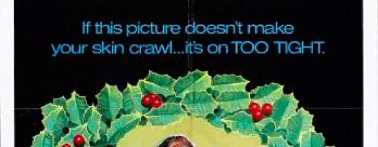 TERROR: Black Christmas- Navidades Negras, 1974. Durante el descanso de Navidad, las chicas de una fraternidad se preparan para retornar con sus familias, pero antes deciden hacer una fiesta. Durante la misma, las jóvenes reciben llamadas extrañas de un acosador, quien hace sonidos escalofriantes. Cuando una de las chicas desaparece todo comienza.