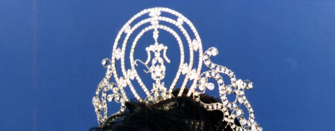 Chelsi Mariam Pearl Smith Trimble, Miss Universo 1995. Durante la cuadragésima cuarta edición de Miss Universo que se llevó a cabo en el Windhoek Country Club Resort, esta joven procedente de  Redwood City, California, obtuvo el título universal de la belleza entre 82 delegadas que hicieron parte del certamen. Chelsi fue coronada por su antecesora Sushmita Sen de la India.