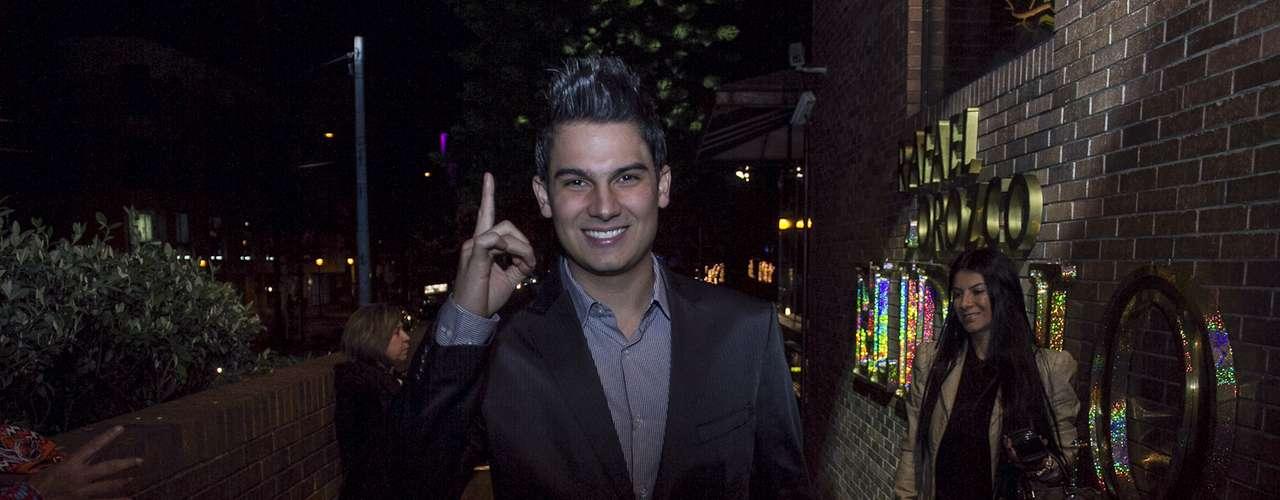 Durante el lanzamiento de la telenovela, algunos cantantes, ente ellos Pipe Bueno, interpretaron canciones de Rafael Orozco.