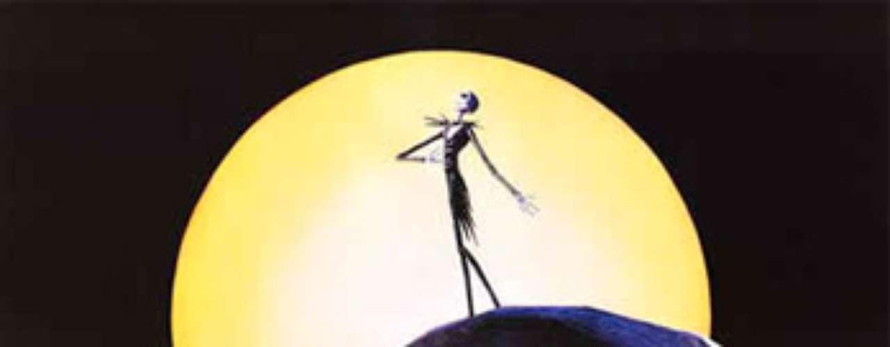 ANIMADAS: The Nightmare Before Christmas - Pesadilla antes de Navidad, 1993. Jack Skellington, el Señor de Halloween, descubre la Navidad, y queda prendado de ella pero decide mejorarla. Sin embargo, su visión de la festividad es totalmente contraria al espíritu navideño. Sus planes incluyen el secuestro de Santa Claus y la introducción de cambios bastante macabros.