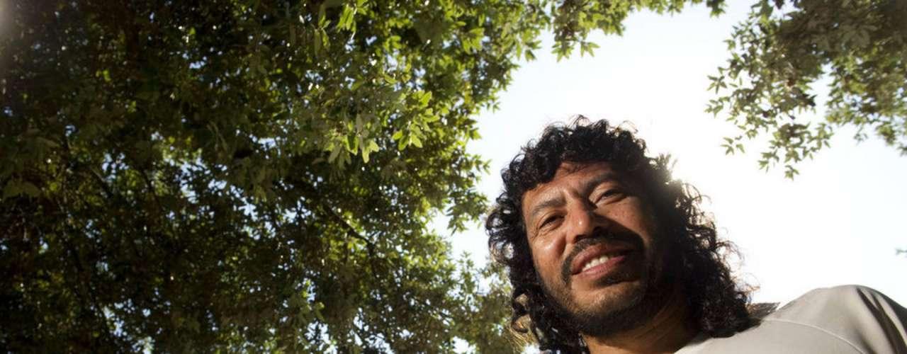 René Higuita llegó a ponerle un puñetazo en la cara al periodista César Londoño, quien cuestionó al arquero acerca de su visita al narcotraficante Pablo Escobar, quien estaba tras las rejas.