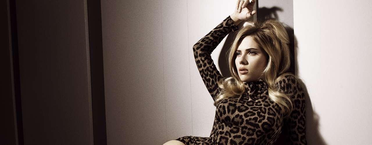Scarlett Johansson nació el 22 de noviembre de 1984. Hoy en día es considerada una de las más cotizadas actrices de Hollywood y una de las más seductoras mujeres de la industria de cine.