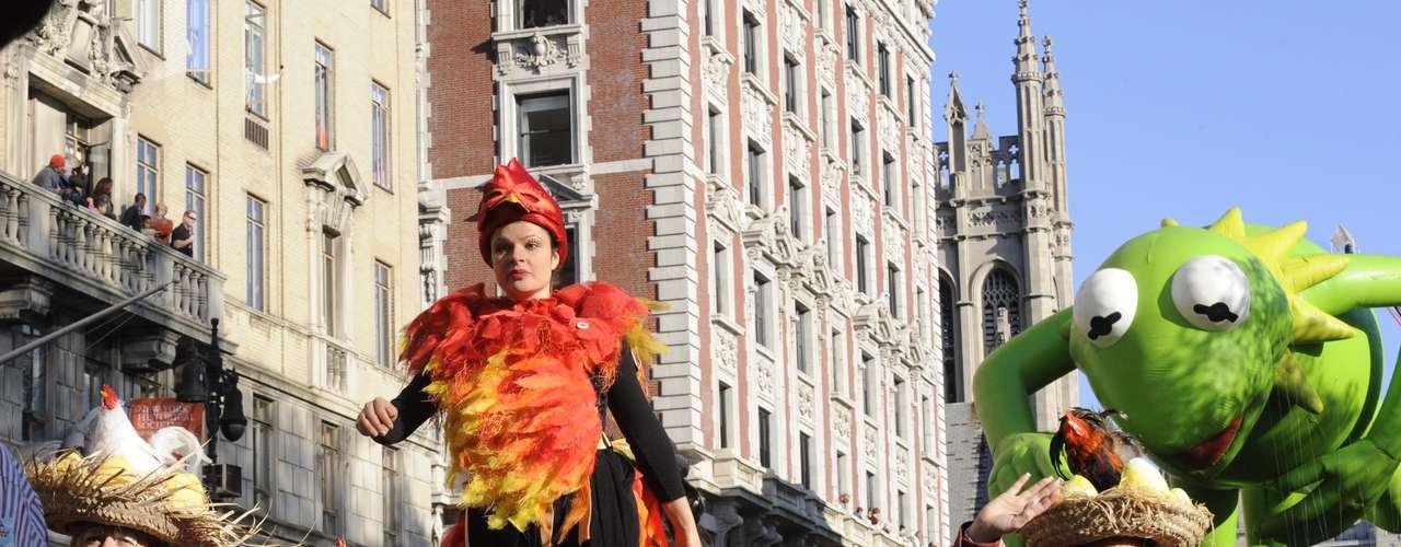 En Chicago se presentaba un espectáculo del circo Ringling Bros. and Barnum & Bailey; en Filadelfia se podía ver al astro de los Filies Ryan Howard y a Miss Estados Unidos 2012 Laura Kaeppeler, y en Detroit a un grupo de campeones olímpicos.