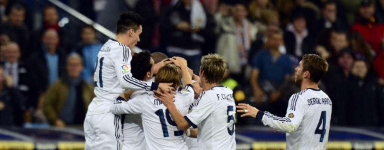 Sábado 24 de noviembre - Real Madrid visita el campo del Betis en la Jornada 13 del futbol español