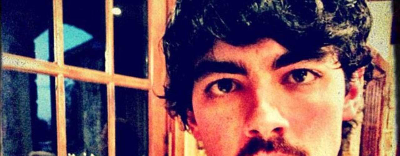Animal: Al igual que Taylor Swift, Joe Jonas pasó su Acción de gracias con un amigo peludo