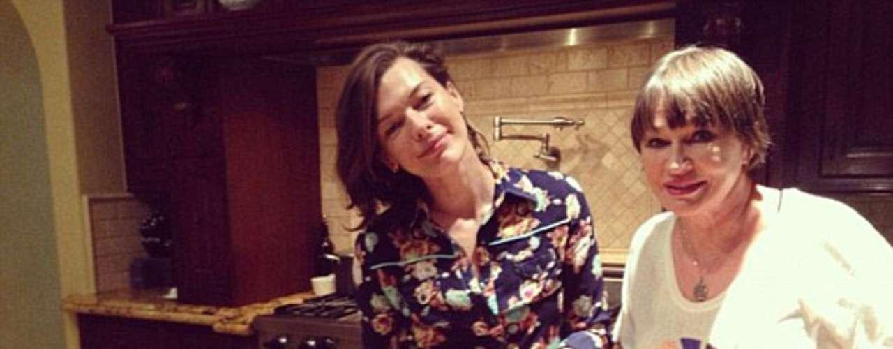 Tiempo de familia: Milla Jovovich compartió sus recetas de Acción de Gracias, Twitteó: í \