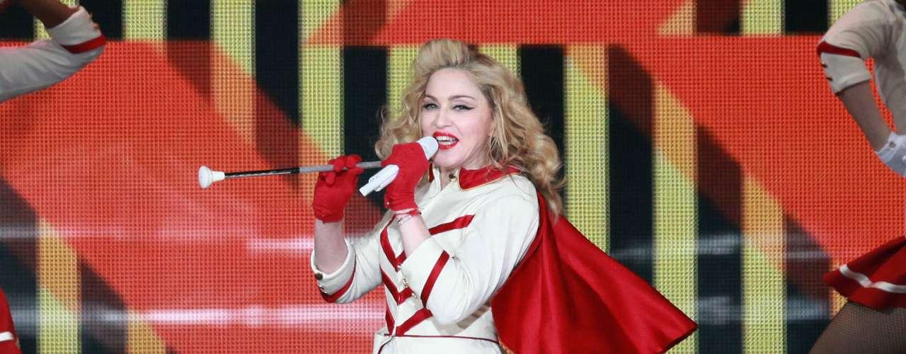 El 70 por ciento del Club de Fans de Madonna en Colombia verá el show de la artista por partida doble. Según, Juan Guillermo Vélez, administrador del Club en Medellín la mayoría de repitentes verán el primer espectáculo en VIP y el segundo en General, para poderla admirar desde todos los puntos.