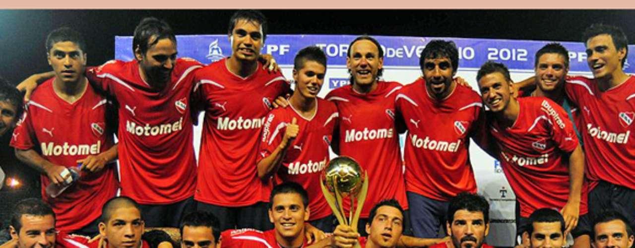 En dicha localidad bonarenese, Independiente es el archirrival de Racing.