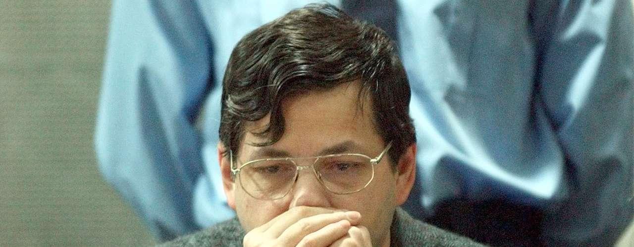 Dutroux también fue juzgado por las muertes de An Marchal, Eefje Lambrecks y Bernard Weinstein, sus posibles cómplices.  Dutroux no fue el único condenado. Su ex esposa Michelle Martin, Michel Lelievre y Jean-Michel Nihoul también fueron condenados por complicidad.