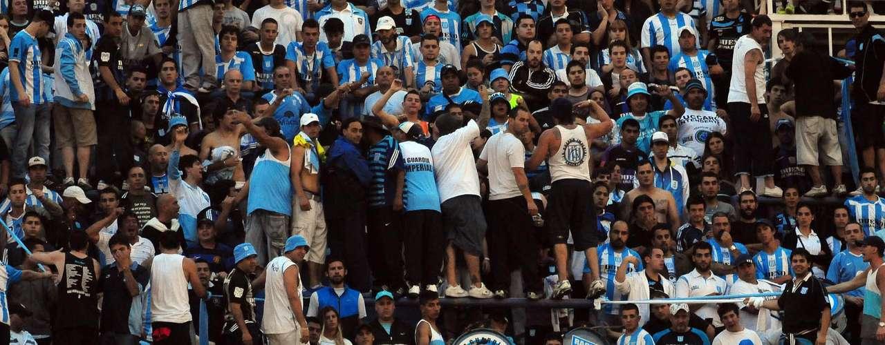El equipo de Falcioni ganó 3 a 1 con dos goles de Paredes (la gran figura del clásico) y otro de Caruzzo. Descontó Hauche sobre el final.