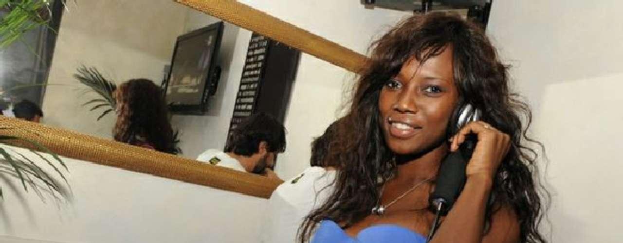 Sin embargo, ella fue vista este fin de semana  con el ex jugador del Inter de Milán, Obafemi Martins, que ahora juega en el Levante en la Liga española.