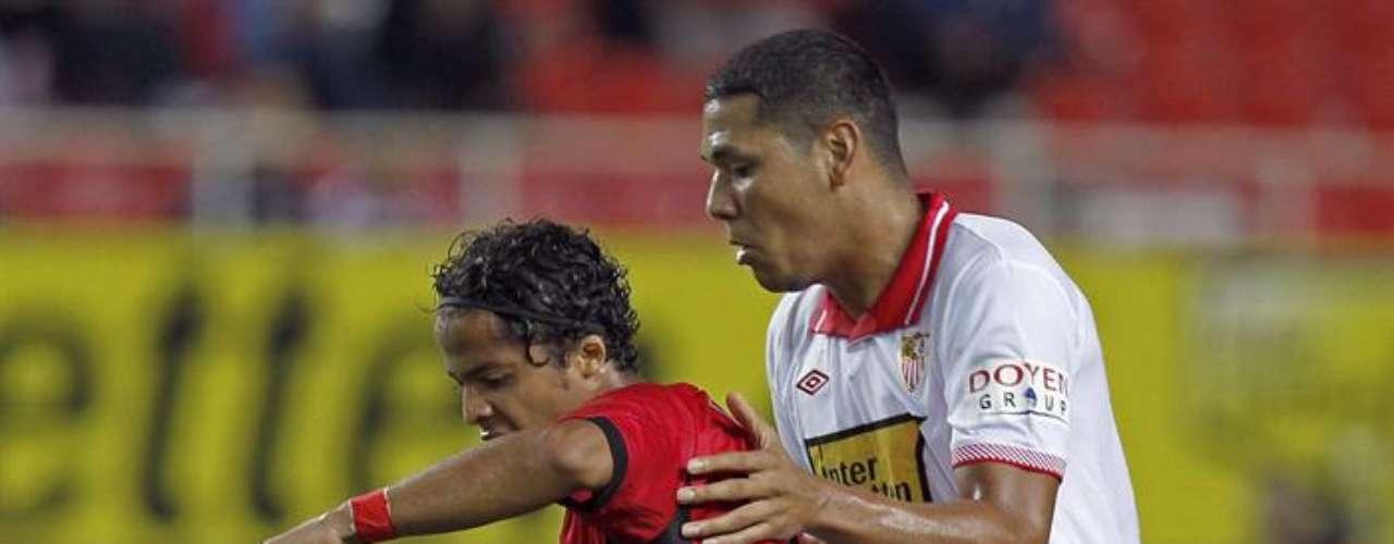 Giovani dos Santos jugó 59 minutos en la derrota (2-0) del Mallorca en casa del Rayo; tuvo una discreta actuación.