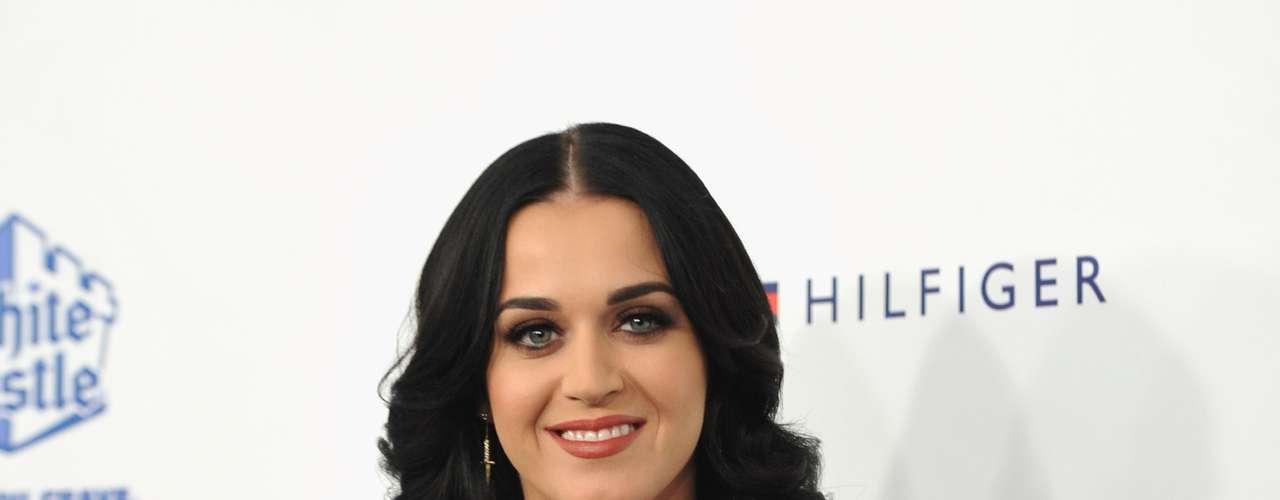 Katy Perry no teme enseñar sus atributos y lo hace cada vez que una ocasión lo amerita. ¡Gracias Katy!