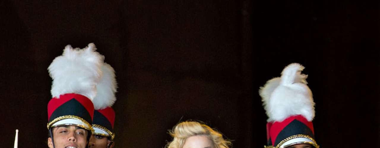 Sus seguidores olvidaron el retraso de la 'reina del pop', en cuando ésta apareció en el escenario.