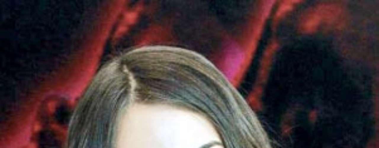 Organizadores de Nuestra Belleza Sinaloa describieron a María Susana Flores como una chica alegre y hermosa. La coordinación del certamen veía un futuro brillante y prometedor en ella.