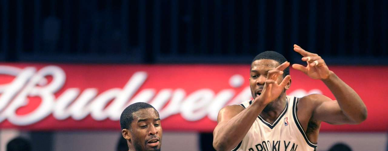 Joe Johnson anotó 21 puntos, mientras que Brook Lopez sumó 15 para que los Nets de Brooklyn vencieran el domingo por 98-85 a los Trail Blazers de Portland
