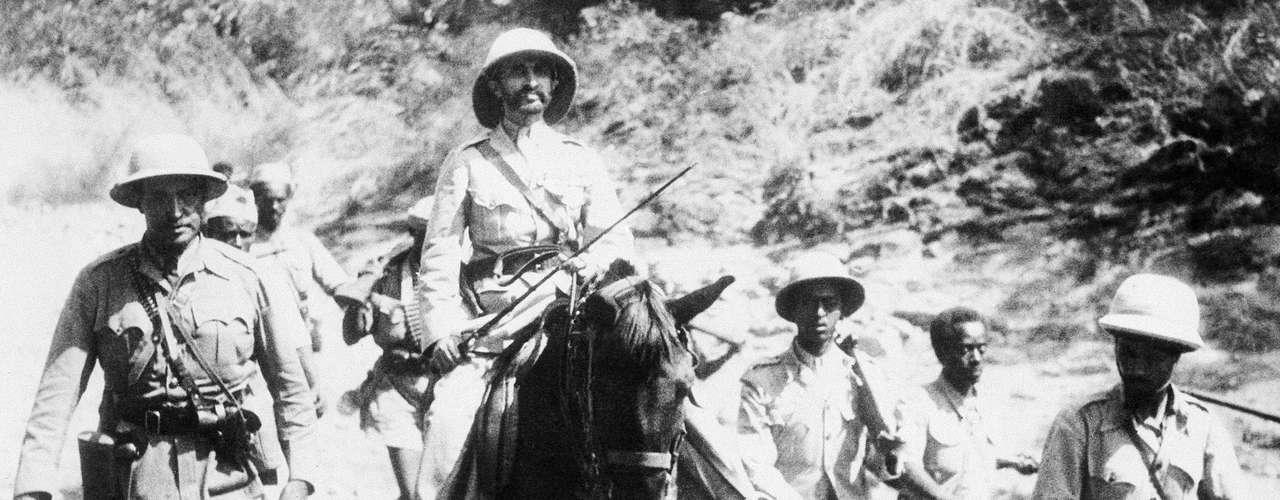 Haile Selassie I de Etiopía. El Emperador entre 1930 y 1974 del país africano es la figura más importante del rastafarismo, una religión o movimiento que tiene casi un millón de seguidores en el mundo. Selassie es considerado como el mesías y una encarnación de Dios.