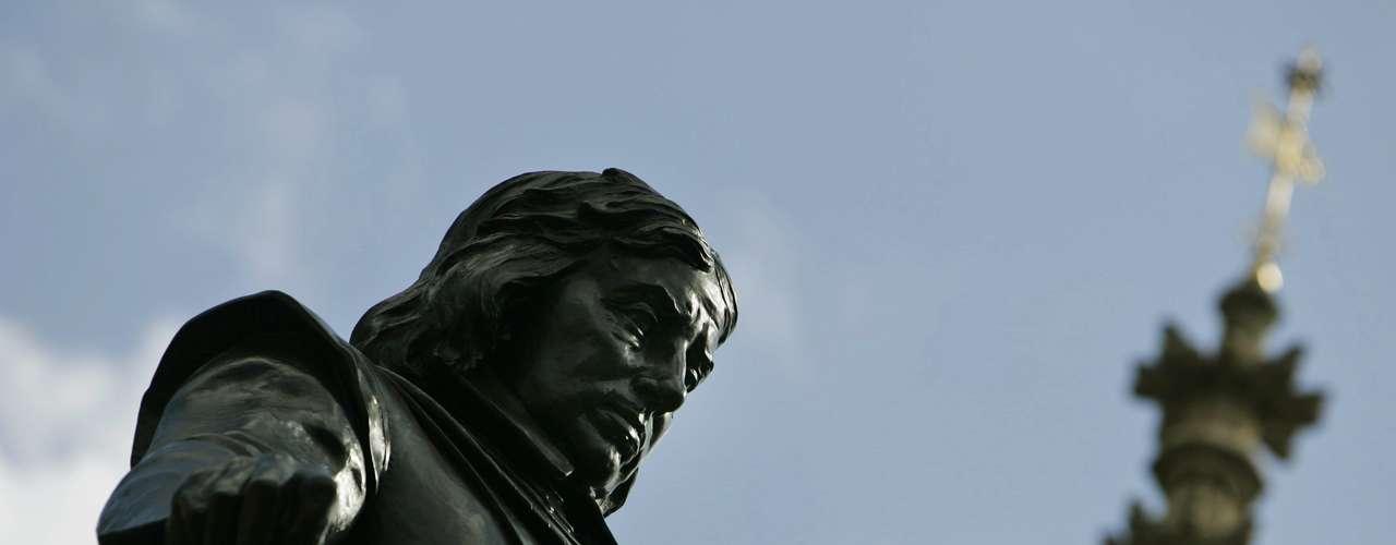 Con la restauración de la monarquía, en 1660, Cromwell sufrió un rechazo social. Y el tratamiento que le dieron a su cuerpo, después de que murió en 1658 de malaria y otras enfermedades, lo demuestra.