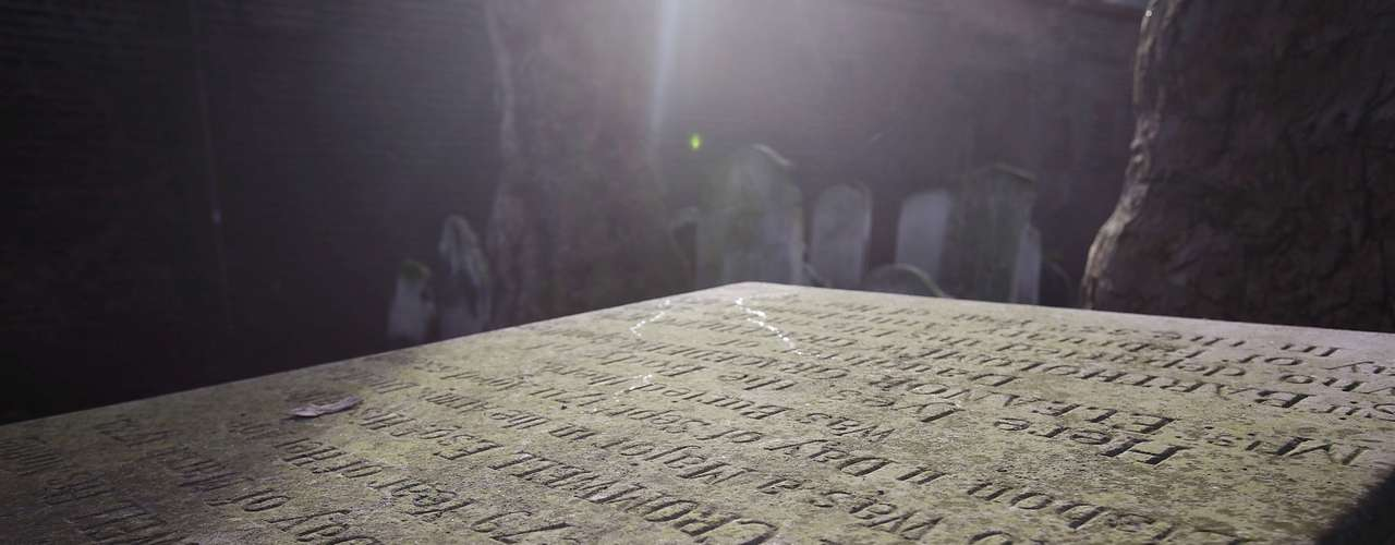 Oliver Cromwell. Es una de las figuras más importantes de la historia de Reino Unido. Político y militar con fuertes creencias religiosas -pensaba que sus victorias militares eran mandatos de Dios- Cromwell lideró las llamadas tropas parlamentarias en la Guerra Civil Británica del siglo XVII contra el poder monárquico.