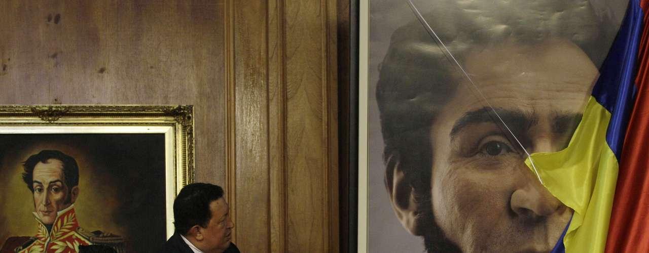 En su momento, los críticos de Chávez atribuyeron la exhumación a una estratagema electoral de cara a los comicios parlamentarios de aquel año.