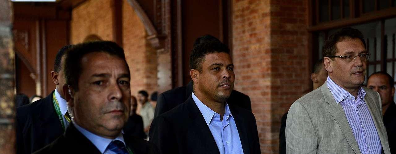 Estuvieron presentes en el evento el secretario general de la FIFA, Jérome Valcke, el ministro del Deporte, Aldo Rebelo, y los miembros del COL, Ronaldo y Bebeto. La presencia de la comitiva causó revuelo con camarógrafos y fotógrafos.