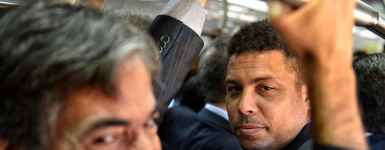 Ronaldo llegó a pedir respeto a los representantes de los medios, afirmando que estaban dando un \