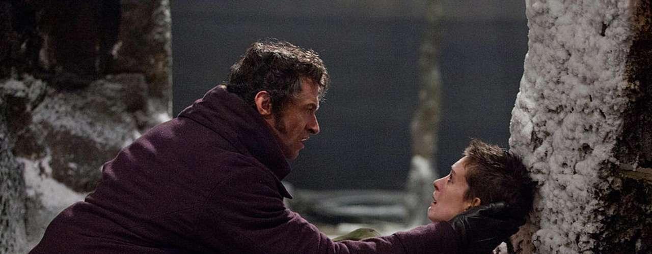 LES MISÉRABLES: 25 DE DICIEMBRE.Hugh Jackman encarna a Jean Valjean, un individuo que es enviado a prisión tras robar un trozo de pan con el que pretendía alimentar a sus sobrinos y a su hermana viuda. Russell Crowe da vida a Javert, el hombre que le hará la vida imposible, mientras que Anne Hathaway se pone en la piel de Fantine, una mujer que sufre no pocos infortunios a lo largo de su vida.