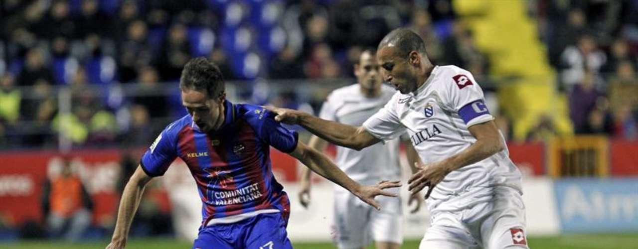 El centrocampista del Levante, Miguel Herrero \