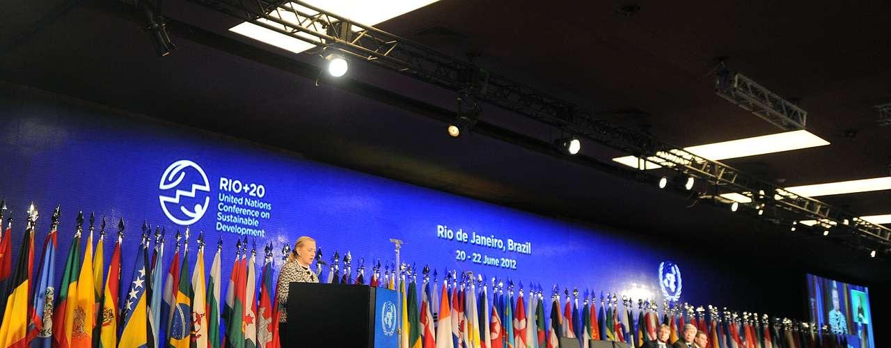 23 de junio: Terminó la Conferencia para el Desarrollo Sostenible Rio+20 en Río de Janeiro.