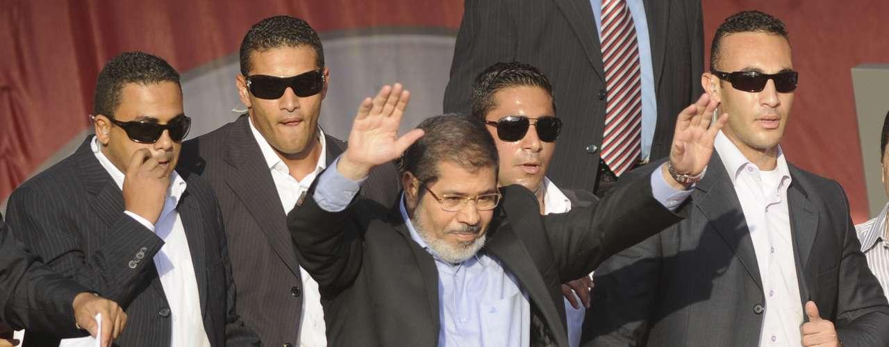 24 de junio: Mohamed Morsi, candidato de los Hermanos Musulmanes, fue declarado vencedor de la elección presidencial egipcia.