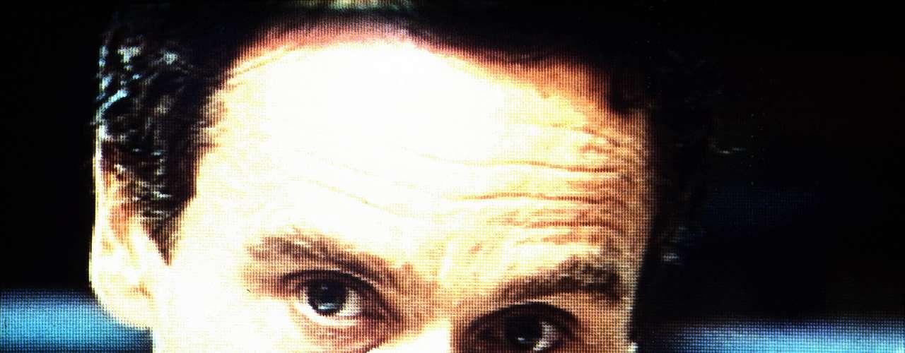 Bundy tenía además la atracción hacia la necrofilia. Se dice que volvía al lugar donde enterraba a sus víctimas y dormía con ellas hasta que el cuerpo estaba putrefacto. Bundy fue sentenciado a muerte y ejecutado en la silla eléctrica en una prisión en Florida en 1989.