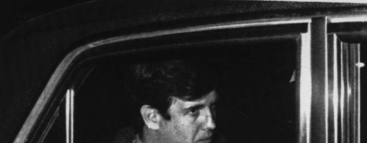 En el banquillo está también el economista y exsecretario de Hacienda (finanzas) de la dictadura Juan Alemann, imputado por haber presenciado interrogatorios bajo torturas a Orlando Ruiz, un desaparecido acusado de haber participado de un atentado contra ese exfuncionario. El otro civil acusado es el abogado Torres de Tolosa, quien participó de los \