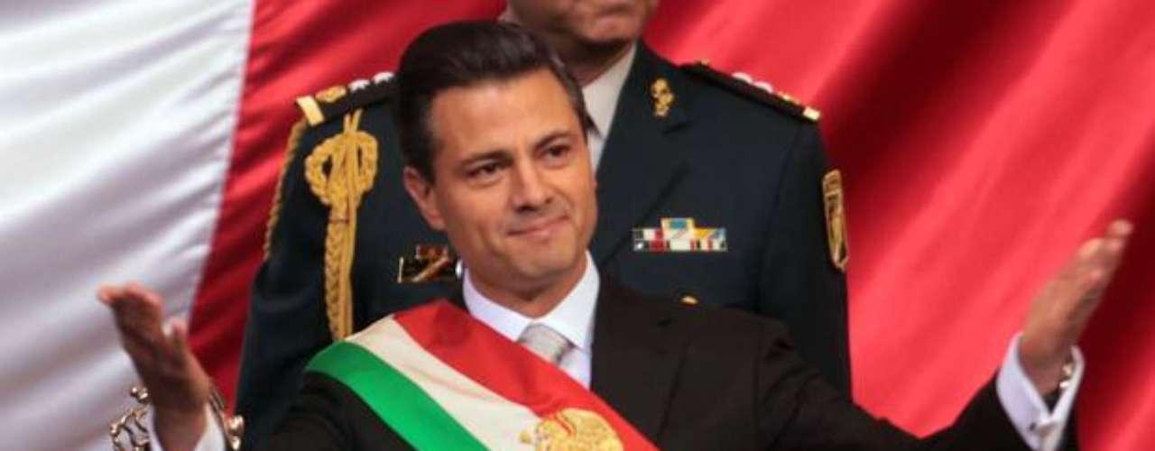Desde el 1ro de diciembre del 2012, cuando juramentó como el nuevo Presidente de México, Peña Nieto garantizó un cambio sin precedentes para la nación. Desde ese día hay quienes opinan que comenzó con el pie derecho pues ha logrado acuerdos, promulgado reformas y propuesto leyes que parecen encaminar a la nación en el camino adecuado, mientras que la oposición ha asegurado que todo se trata de un circo con el que sólo busca legitimarse. Aquí te presentamos las leyes y decretos promulgados por Enrique Peña Nieto.