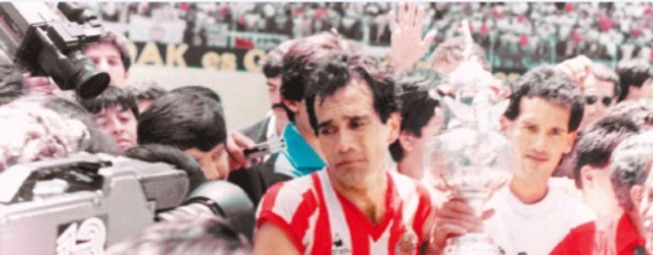 1986-87: Chivas