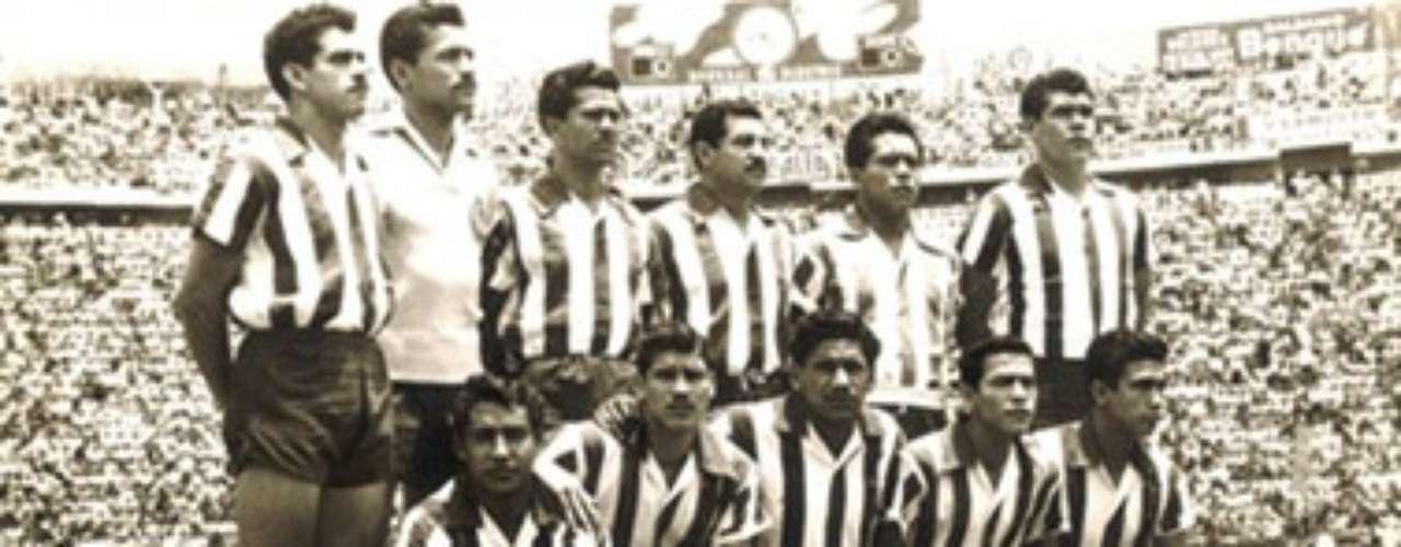 1956-57: Chivas