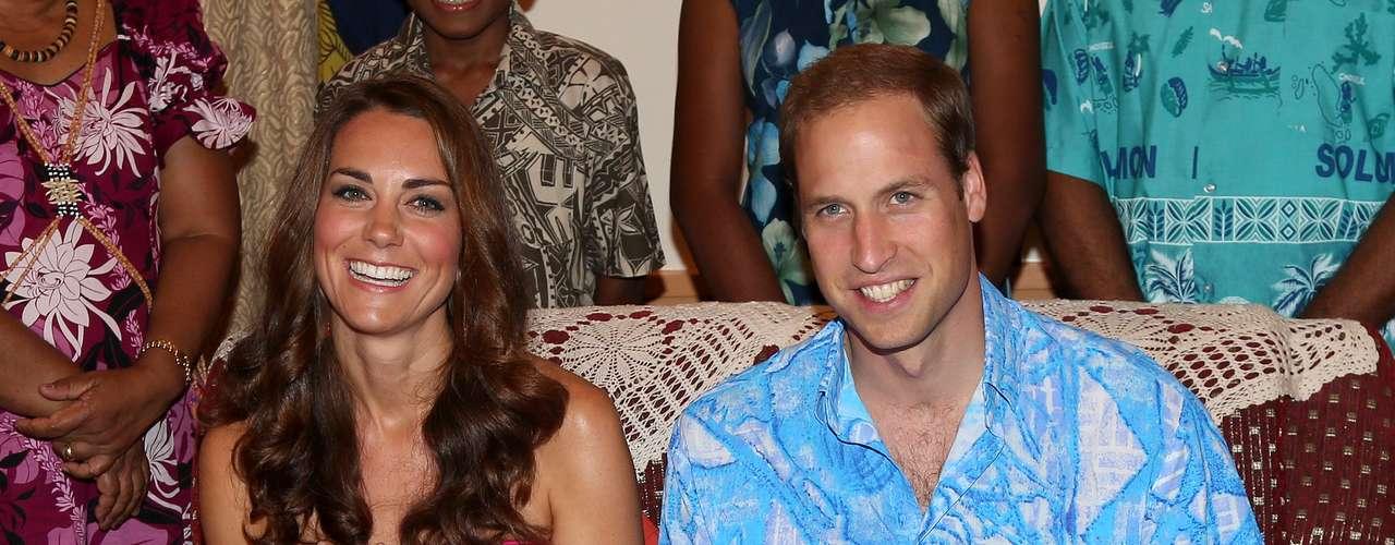 Como primogénito de Guillermo segundo en línea a la corona británica después de su padre, el príncipe Carlos_, el primer hijo o hija de la pareja tiene excelentes prospectos de convertirse un día en monarca.
