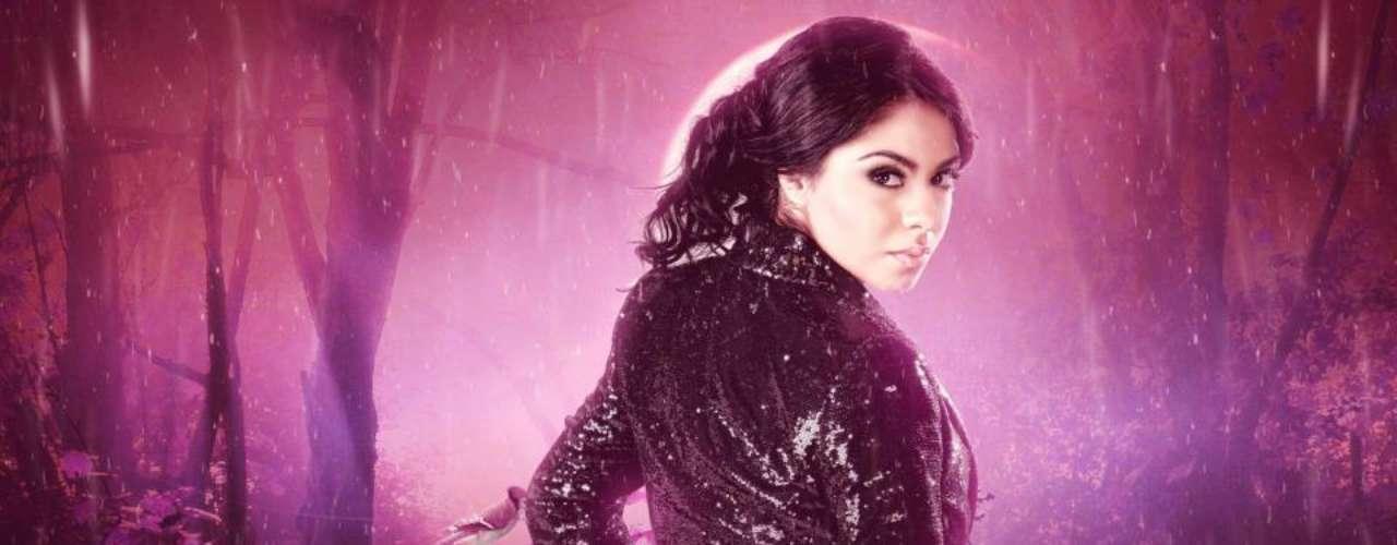 La revelación del corrido Nena Guzmán prepara el lanzamiento de su segundo disco de música regional mexicana. \