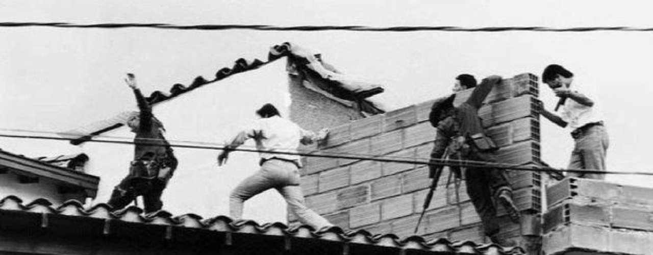 Las autoridades dieron con Escobar, gracias a que interceptaron llamadas del capo con su familia en Bogotá.